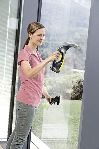 Entretenir mes vitres et miroirs à l'aide d'un appareil à vapeur ménager